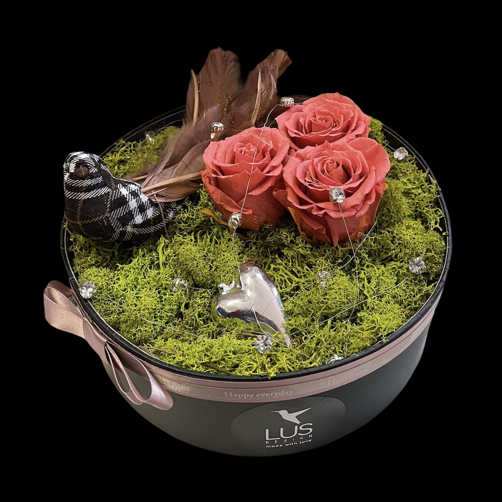 Kvetinový box s trvácnymi ružami Birdie love