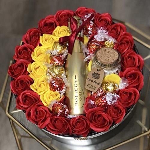 Luxusný darčekový flower box Perfect day