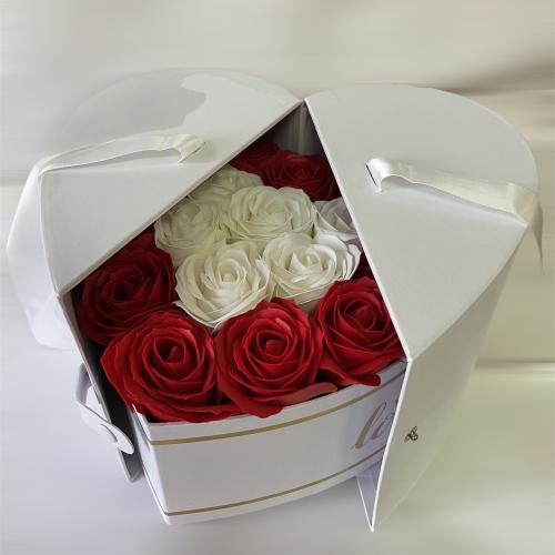 Biely otvárací box v tvare srdca