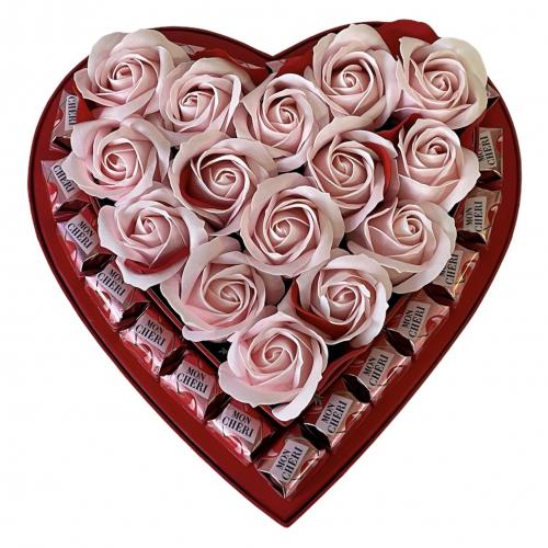 Veľký kvetinový box v tvare srdca True love