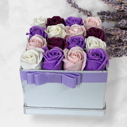 Biely boxík so striebornými bodkami Violet Sky
