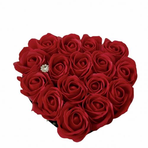Biely srdcový box s červenými ružami