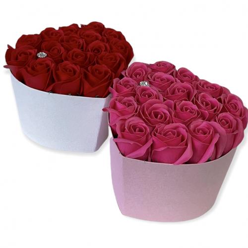 Srdcový box s tmavoružovými ružami