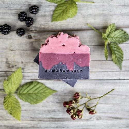 Prírodné dizajnové mydlo Berry Bliss, 100g